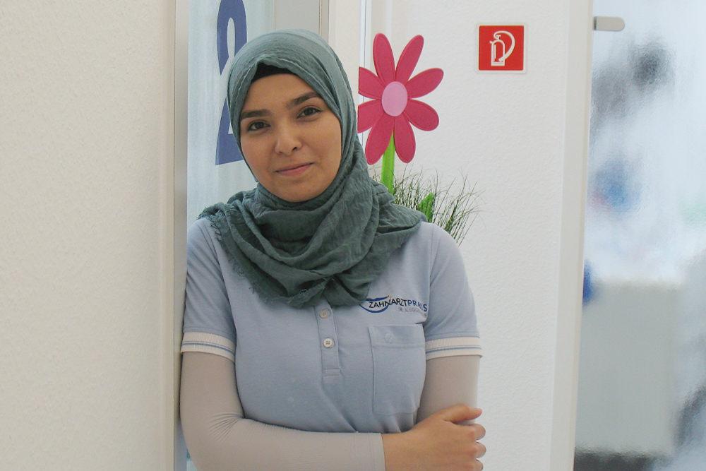 Zahnarzt Ebersbach - Dr. Eggenweiler - Team - Frau Ataallah Alzouabi